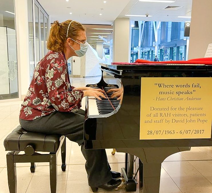 Volunteer pianists play for peace of mind